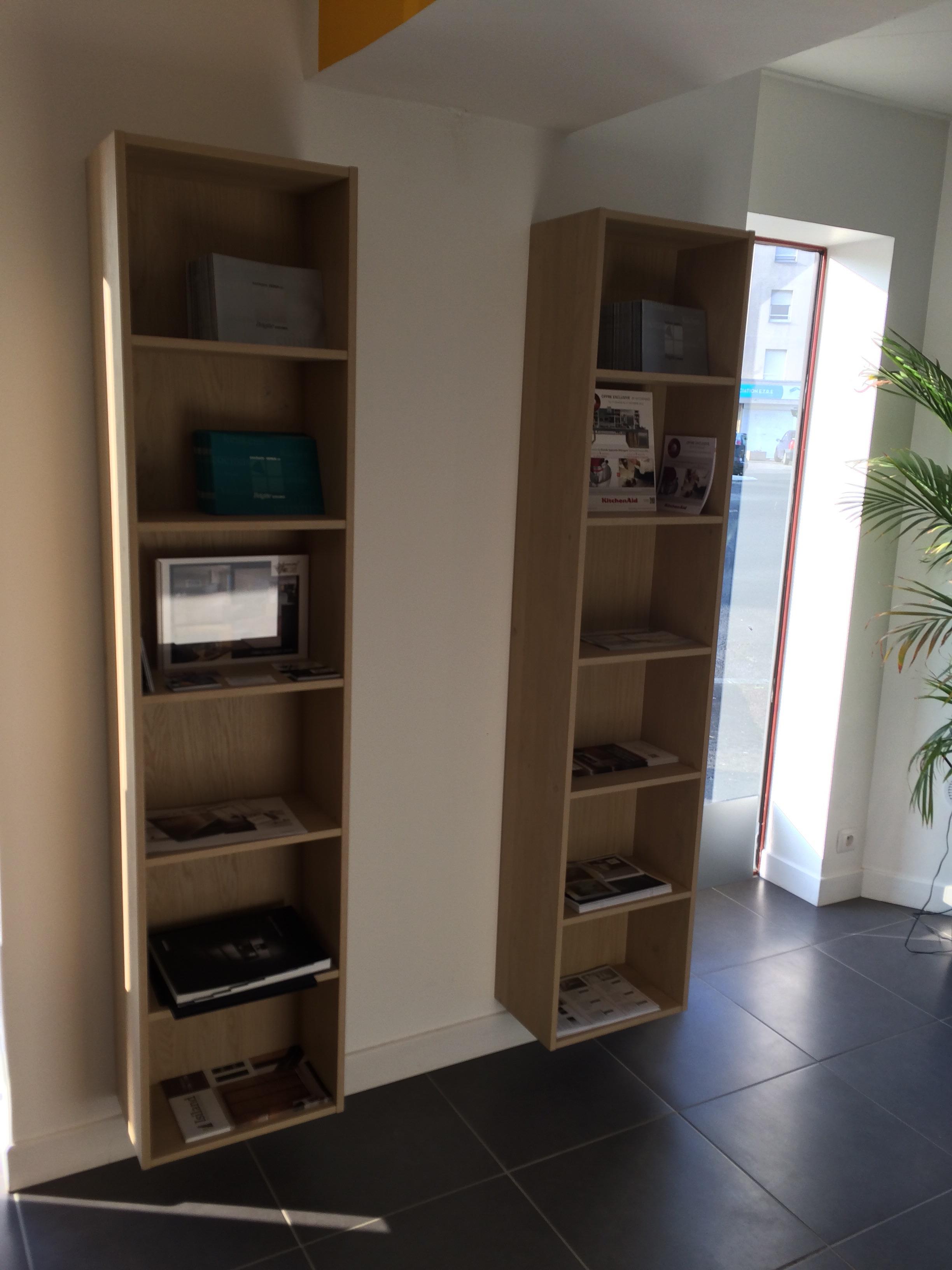 cuisine d 39 exposition en verre poli laqu gris onyx. Black Bedroom Furniture Sets. Home Design Ideas